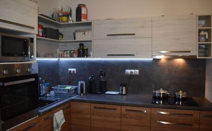 Ponúkame na predaj veľkometrážny 2 izbový byt v Čadci - Kyčerka.