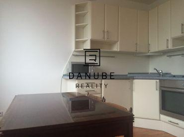 Pprenájom priestranný 1 izbový byt v byt v bytovom komplexe Koloseo, Tomášikova oproti Kuchajde.