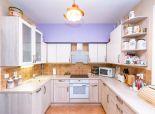 Priestranný, veľmi zaujímavo dispozične riešený 3-izbový byt na ulici Kazanská
