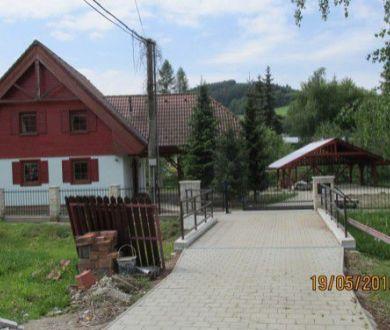 Ponúkame Vám na predaj nový rodinný dom v centre obce Plevník.