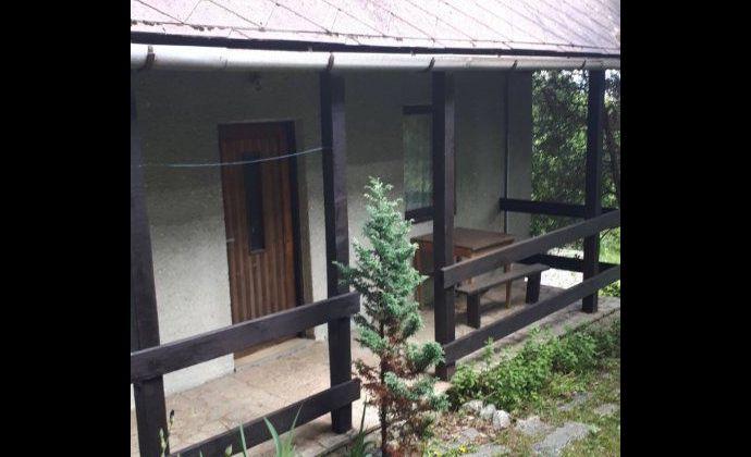 Sokoľ na predaj záhrada s murovanou chatou