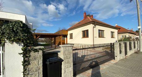Na prenájom rodinný dom v lukratívnej štvrti Topoľčian.