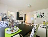 ## NOVÁ CENA!! Pekný 2.-izb. byt s GARÁŽOU, vlastné kúrenie, balkón, murovaná pivnica, 70m2, Na Hlinách ##