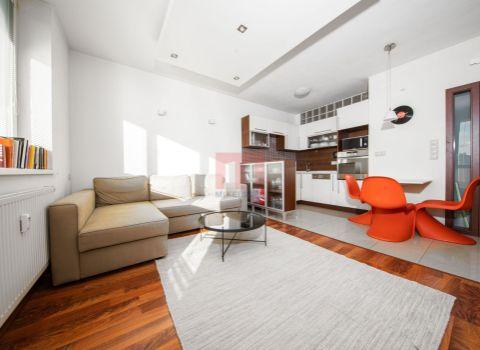 PREDANÝ- Na predaj moderný 2 izbový byt s balkónom otočený do tichého dvora