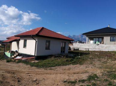 Novostavba montovaného rodinného domu.