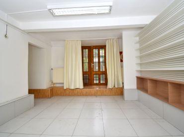 2-podlažný komerčný  priestor, 118 m2 – BA-Palisády: podnikajte priamo POD BRATISLAVSKÝM HRADOM - ihneď voľné