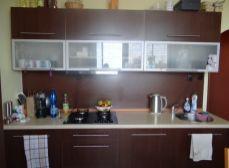 SENEC - NA PREDAJ 3 izbový, priestranný, kompletne zrekonštruovaný byt, s dvoma klimatizáciami a výbornou dostupnosťou kamkoľvek do mesta