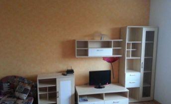 Prenajmeme príjemný 1i byt s BALKÓNOM v Ružinove