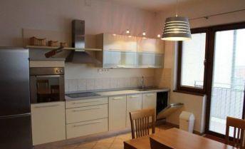 Svetlý a priestranný 2i byt s balkónom na prenájom – Záhorská Bystrica