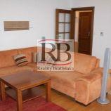 2-izbový byt na Námestí slobody v absolútnom centre Záhorskej Bystrice