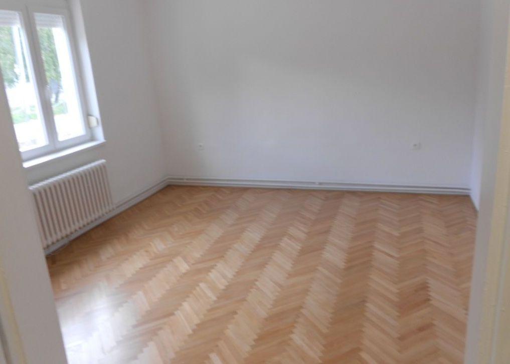 Iný-Predaj-Bratislava - mestská časť Petržalka-155000.00 €
