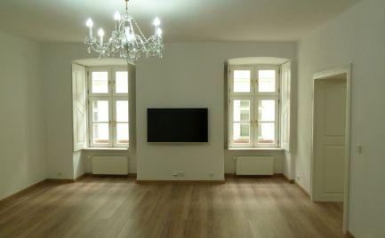 Prenájom v srdci Starého Mesta - 3 izbový byt Michalská ul.