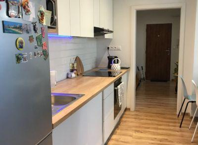 Ponúkame Vám na predaj  kompletne zrekonštruovaný 3 izbový byt prerobený na 4 izbový