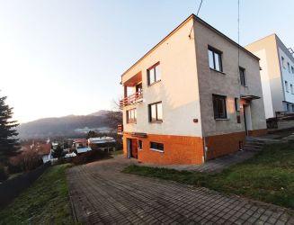 Na predaj 5 izbový rodinný dom s garážou, Žilina- Budatín