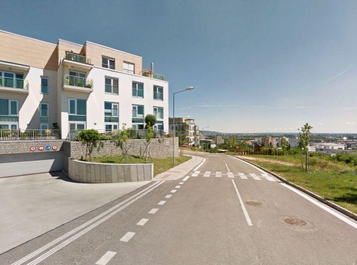 FRANKOVSKÁ, 4-i byt, 110 m2 - ŠTÝLOVÁ rezidenčná štvrť, LUXUS, SÚKROMIE a POHODLIE okolitej prírody