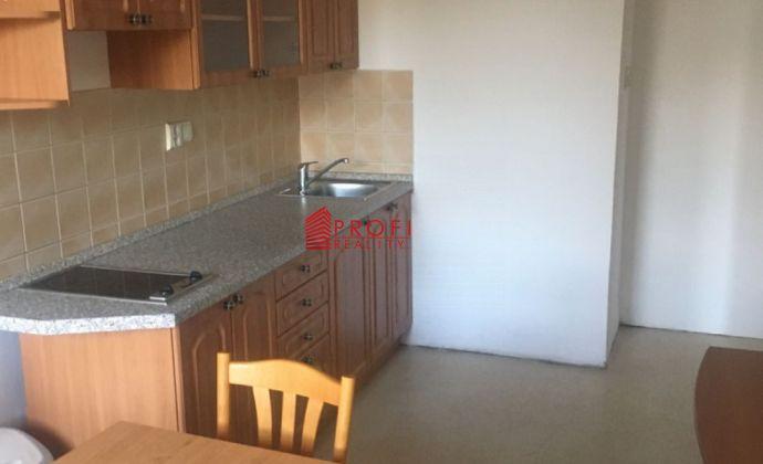 Prenájom 3- izbového bytu vo vyhľadávanej lokalite mesta Dunajská Streda
