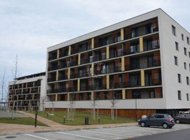 PREDAJ: 2 izb. byt, výmera 56 m2,loggia,garážové státie, novostavba, Bory, BA – Lamač