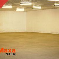Skladovacie, Senica, 900 m², Čiastočná rekonštrukcia