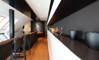 Luxusný mezonetový byt s balkónom a možnosťou parkovnia (125,7m2+4m2) v absolútnom centre