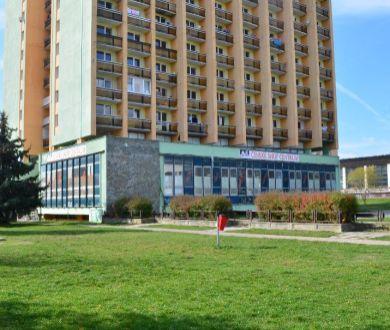 Ponúkame do dlhodobého prenájmu nebytový priestor v širšom centre mesta Žiar nad Hronom