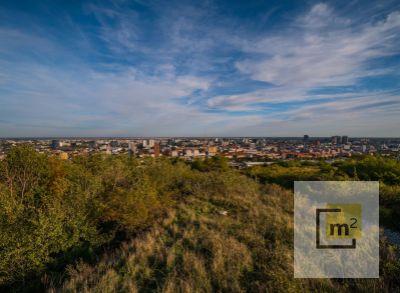 Exkluzívny pozemok s výnimočným výhľadom na celú Bratislavu