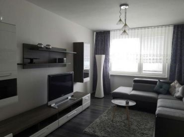 Prenájom 5 - izbový byt Adámiho ulica, Karlova Ves, Bratislava.