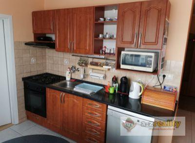 2837 Na predaj veľký 3-izb.byt v Nových Zámkoch