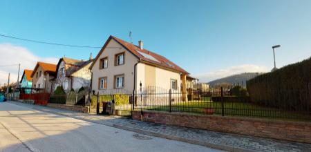 IBA U NÁS -veľký rodinný dom v Trenčíne s možnosťou komerčného využitia, časť Opatová, pozemok 867 m2