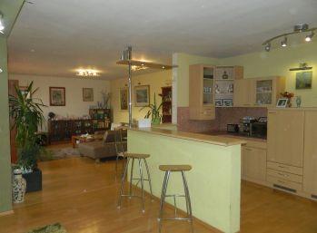 Exkluzívne predáme krásny 5-izbový rodinný dom v Seredi
