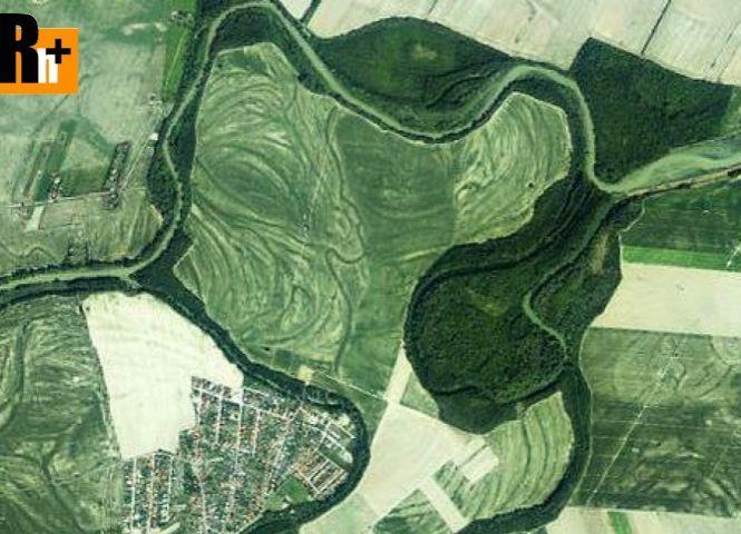 poľnohospodárska pôda - Malinovo - Fotografia 1