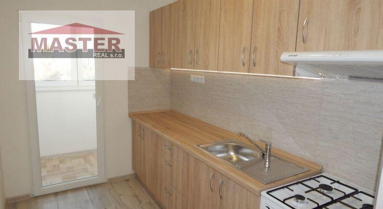 Na Predaj 3-izbový byt, 64 m2, Handlová, Okružná