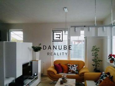 ZVÝHODNENÁ CENA! Predaj dvojpodlažný 4 izbový rodinný dom s garážou v Rovinke.