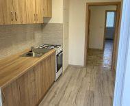 Na predaj 3 izbový byt 64 m2 kompletná rekonštrukcia Handlová 70001