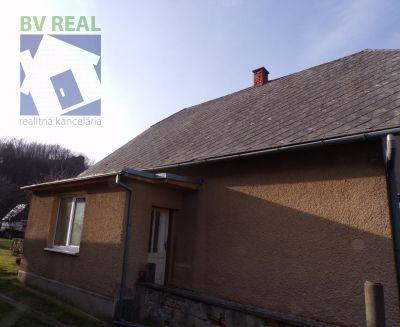 Na predaj rodinný dom 2510 m2 Prievidza časť Hradec 70003