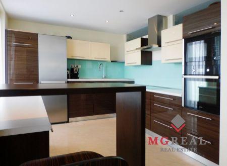 NOVÁ CENA! Na predaj 77 m² 3i byt v Trnave zrekonštruovaný vo vysokom štandarde