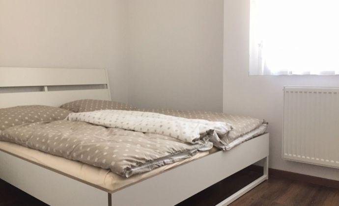 Pekný 3-izbový byt/ubytovanie pre 6 pracujúcich/študentov, 150 Eur/osoba