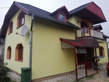Veľká slnečná vila v obci Leles-čast Kapoňa