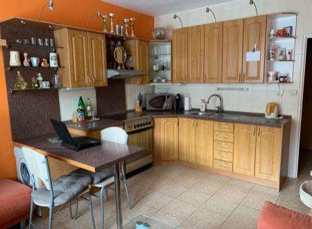 1 izbový byt   Topoľčany /  zariadený