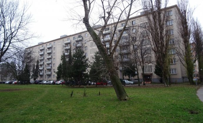 Na prenájom 2,5 izbový byt s balkónom, Haburská ulica, Ružinov