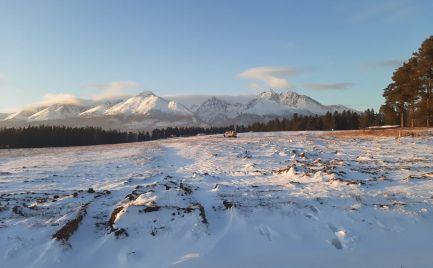 Stavebný pozemok 5 km od Popradu - Tatranské Smaragdy -  695m2