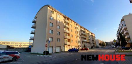 REZERVOVANE Na predaj zariadený 2 izbový byt v Trenčíne na Bavlnárskej ulici