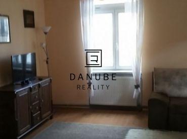 Prenájom 1 - izbového bytu, Palárikovej ulici, bratislava - Staré Mesto.