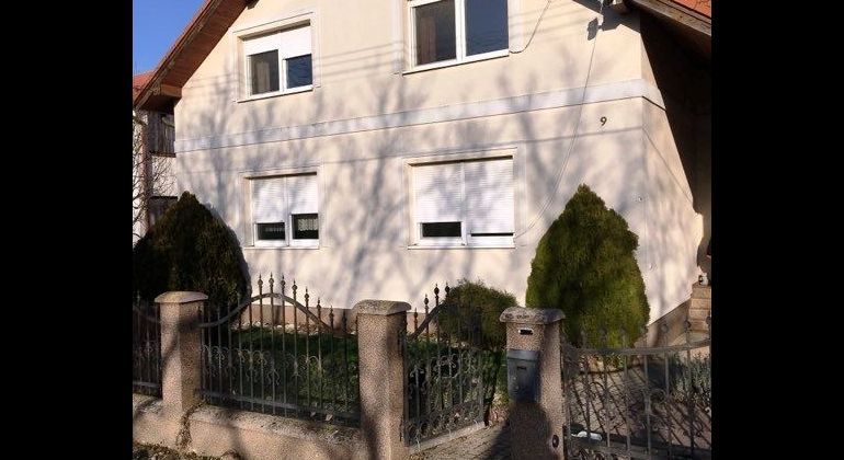 Na prenájom 3i byt v rodinnom dome  v obci Pečeňany