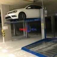 Nezvyčajné garážové parkovanie pre dve autá, Rusovská cesta č. 48, - novostavba - Petržalka City 2