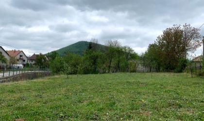 Pozemok 714m2 - Slatina nad Bebravou na predaj