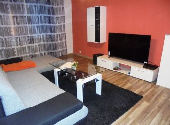 3-i byt 70 m2, čiastočná REKONŠTRUKCIA na skok do CENTRA mesta- REZERVOVANÉ