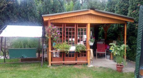 Záhrada v úžasnom prostredí Devína so 4iz. mobilným domom je na predaj-733m2