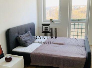 Prenájom 3 izbový byt 84 m2 na Martinengovej ulici, Bratislava Horský Park, Bratislava.