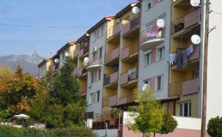Prenajmem 3 izbový byt v spodnej časti Zobora v Nitre.