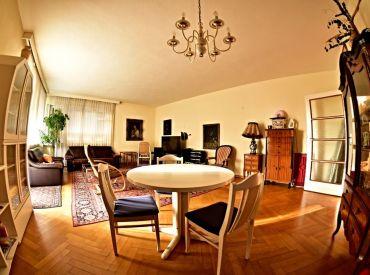 Na prenájom veľký 3,5 izbový byt s balkónom + KK, 118 m², ul. Fraňa Kráľa, BA -I., Staré Mesto, voľný od 1.3.2020